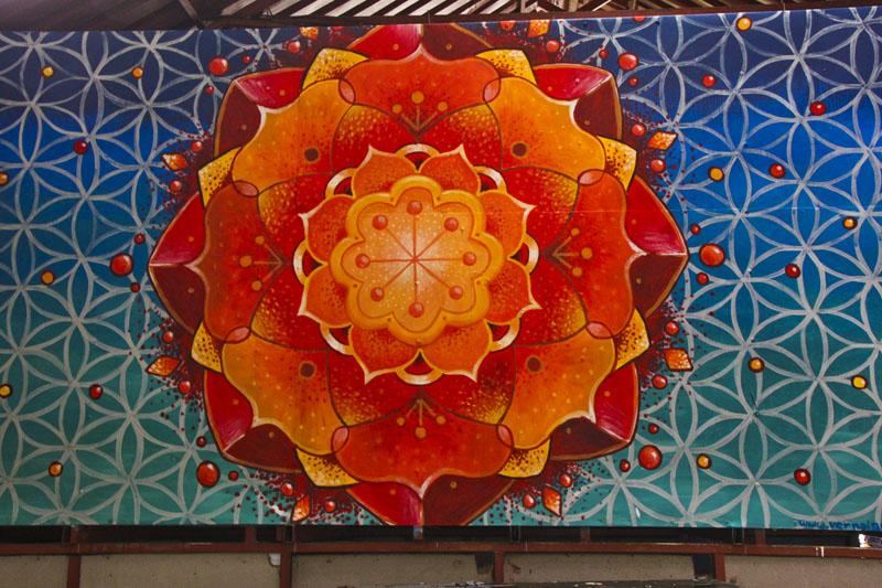 Blog archive more mandala painting costa rica style for Mural mandala